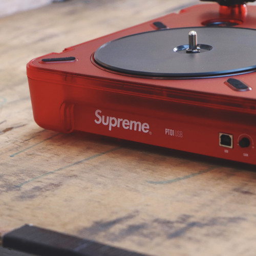 Supreme Numark PT01 Portable Turntable