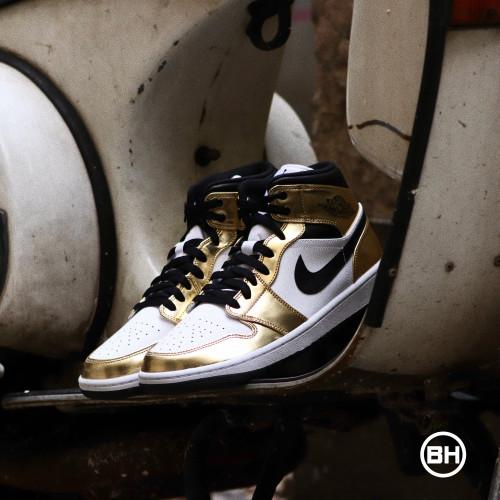Jordan 1 Mid Metallic Gold Black White